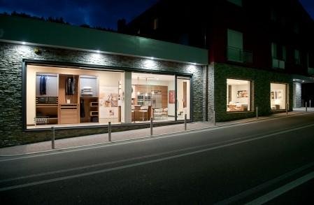 I negozi di mobili design for Pesenti arreda