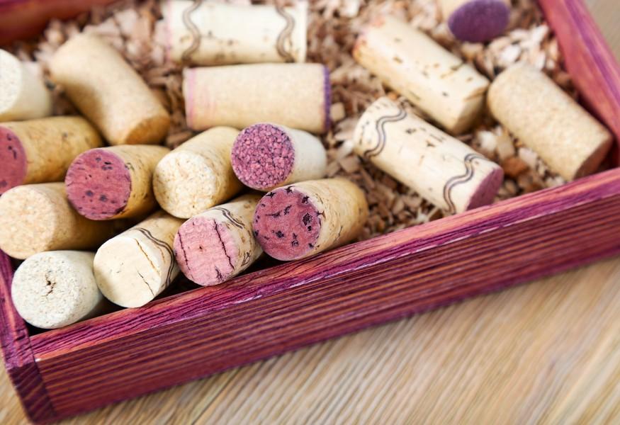 idee di riciclo creativo per vecchie casse di vino in legno vuote.