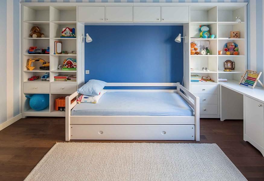 Soluzioni salvaspazio. Casa piccola, arredamento completo.