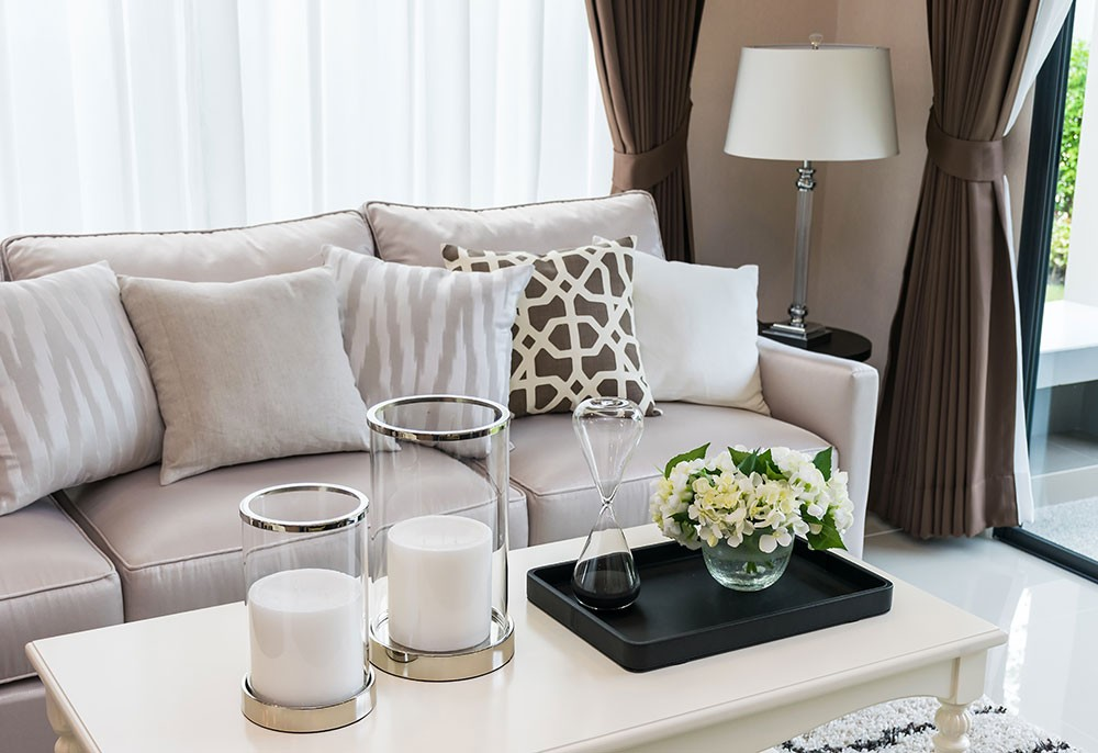 Come illuminare il soggiorno: lampade, trucchi e errori da evitare.