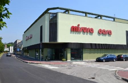 Misura casa opera negozio di arredamento a opera milano for Casa design outlet