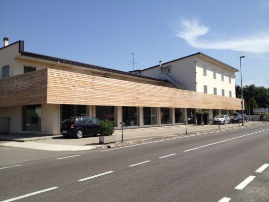 Vestadesign negozio di arredamento a isola della scala for Negozi di arredamento verona