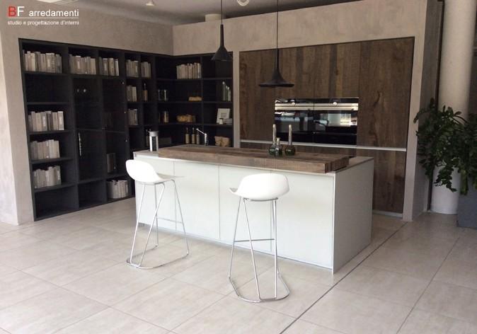 Perfect cucina icon ernestomeda with negozio di arredamento for Bf arredamenti